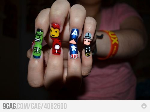9GAG - Awesome nails are awesome.
