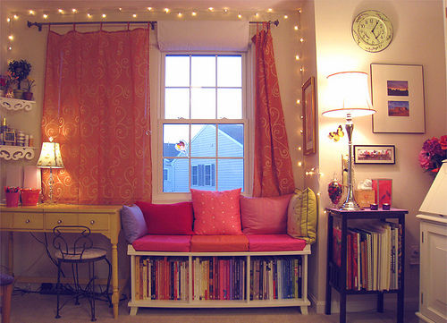 Bedroom,Book shelf,Desk,Girly,Lamps,Lights - inspiring picture on PicShip.com
