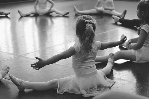 Ballet-black-and-white-cute-girl-kid-favim.com-278960_large