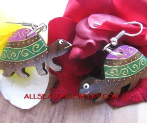 carving earring turtle