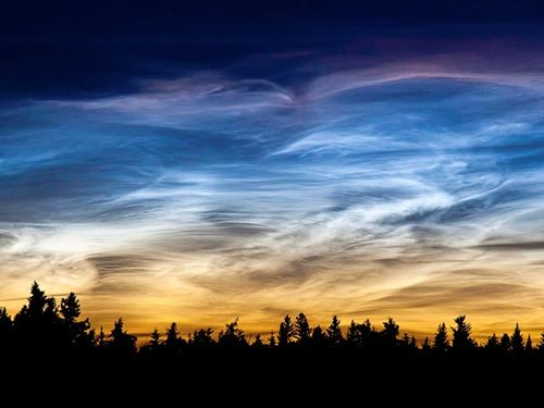Space195-noctilucent-clouds_53100_600x450_large