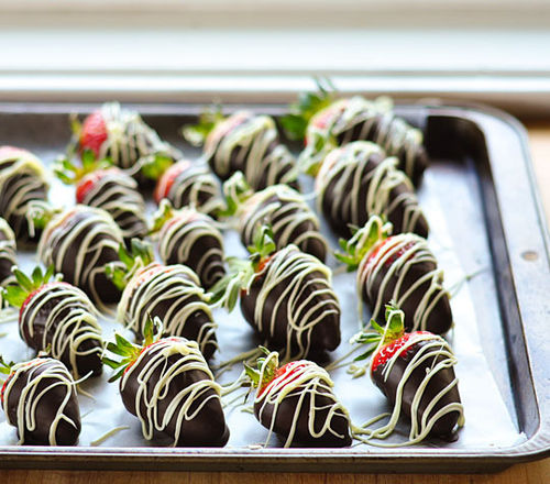 07-2012-05-10-chocolatestrawberries2_rect540_large