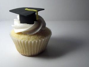 10962_graduation_cupcakes_2475149762_a1aae0c22d_large