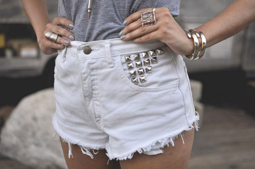 Fashion-high-waisted-shorts-studs-style-favim.com-424975_large