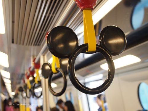 Disneyland_hong_kong_metro_large