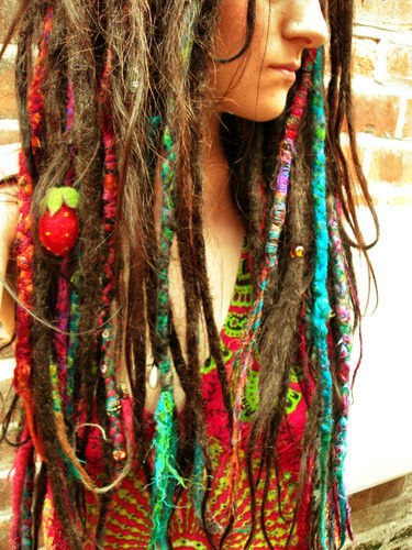Google Image Result for http://cdnimg.visualizeus.com/thumbs/ce/a5/color,accessories,favourite,hair,colour,dreadlocks-cea5f76f4ed0c6bec9dddf0089d1ec33_h.jpg