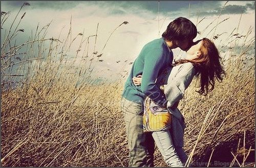 Cute-romantic-love-couple-kissing-girl-boy-romance-13-lovepicturex.blogspot.com_large
