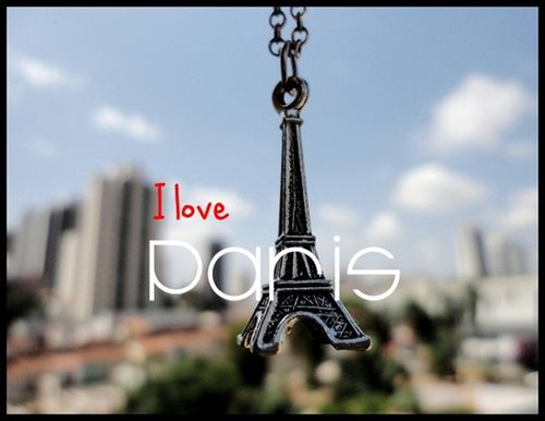 Bruna-yuri-cute-eiffel-eiffel-tower-france-necklace-favim.com-102669_thumb_25255b4_25255d_large