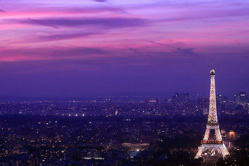 Amazing-beautiful-city-eiffel-tour-lights-favim.com-409594_large