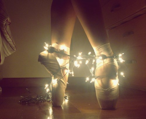 Ballerina-ballet-cute-girl-lights-favim.com-430866_large