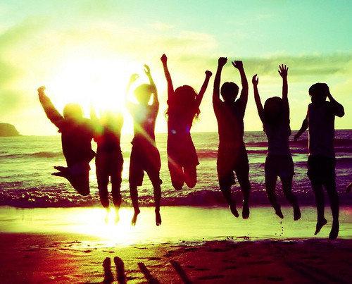 Summer_friends_sun_beach_beautiful_friendship-4639880ec0d5f3a2fa8e7cf813778377_h_large_large