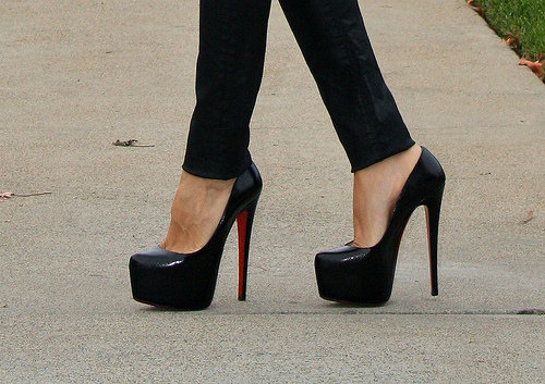 Beautiful-black-heels-black-shoes-clack-fashion-favim.com-425964_large