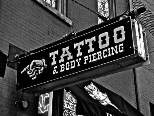 Amplt3-awesome-body-modifications-piercings-tattoo-favim.com-435008_large