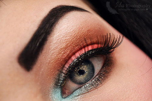 Barbie-beauty-blue-eye-blue-makeup-cute-favim.com-434063_large