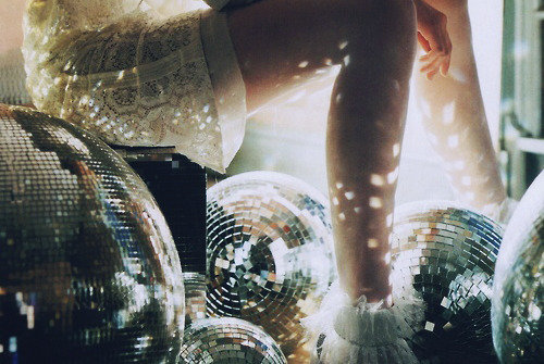 Disco-fashion-girl-love-photography-favim.com-435480_large