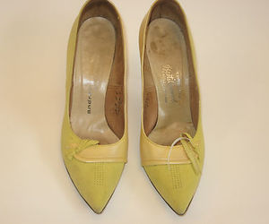 50s yellow pumps