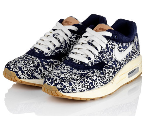 Liberty-london-nike-sportswear-air-max-one-1-01_large