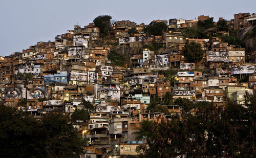 Jr-1-28-millimeters-women-are-heroes-in-the-favela-rio-de-janeiro_2048_large