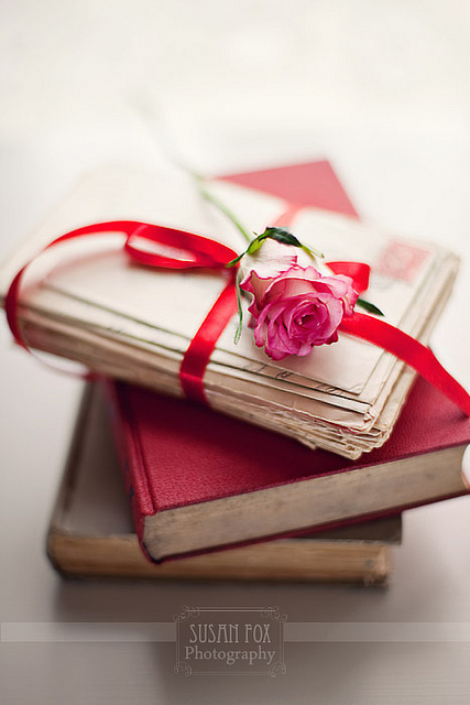 Books-flower-pink-rose-favim.com-317148_large