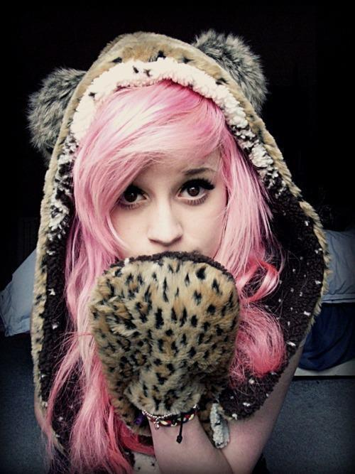 Fashion-girl-pink-hair-scene-vintage-favim.com-342849_large