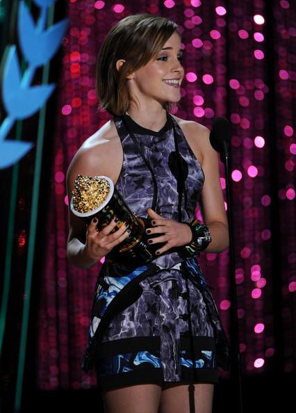 Emma_watson_2012_mtv_movie_awards_show_mkgst0fqlmvl_large