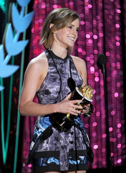 Emma_watson_2012_mtv_movie_awards_show_s3atqeciywol_large