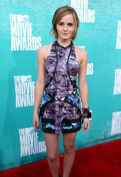 Emma_watson_2012_mtv_movie_awards_red_carpet_eo3qpzkno8fl_large