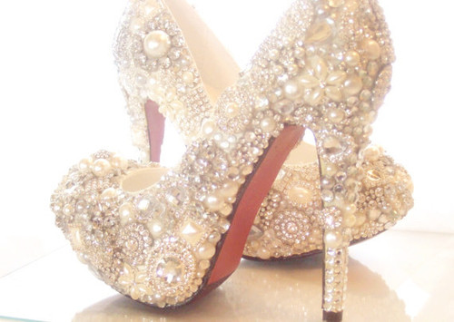 Crystal_20glass_20and_20pearl_20covered_20high_20heels_20-f20962_large