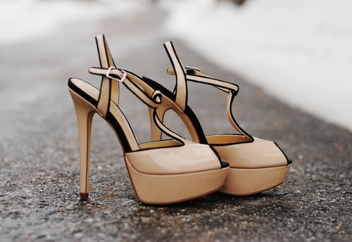 ♛ مواضيع ذات صلةShoes Of My Dreams!! sos help my
