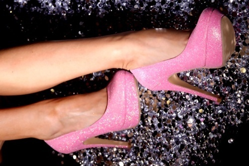 Glitter-pink-pretty-shoes-sparkle-favim.com-440981_large