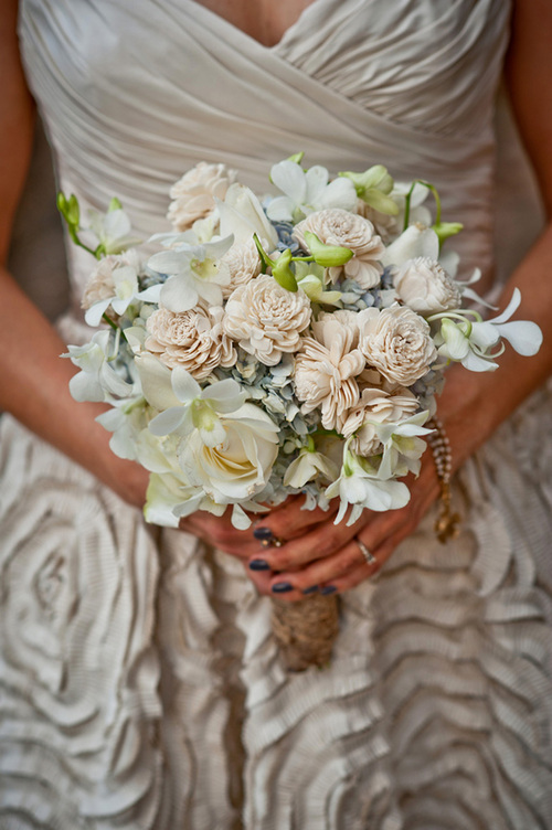 White-wedding-bouquet_large