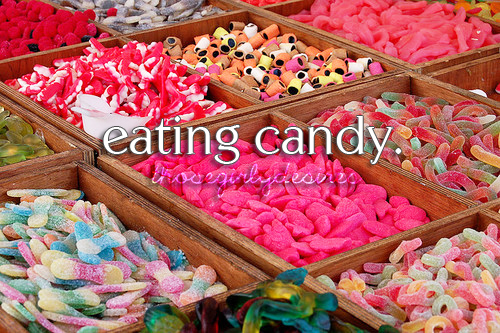 Candy-colourful-sweets-yum-favim.com-441193_large
