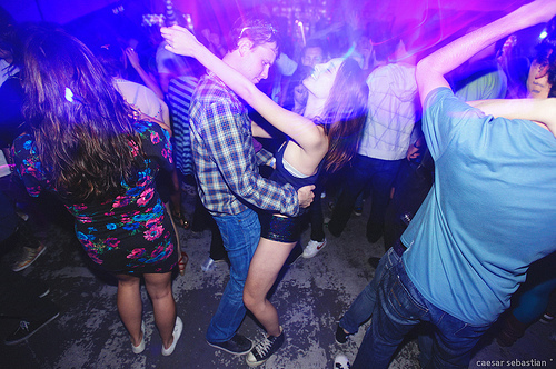 Alcohol-dance-girl-music-party-favim.com-440725_large
