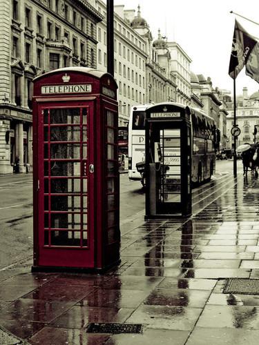 __brittish_bus_city_england_phone-4dc773b0705a0f02ac411389822dbc24_h_large