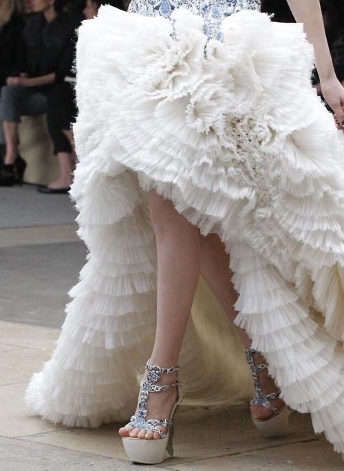 alexander mcqueen, catwalk, couture, fashion, girl - inspiring picture on Favim.com