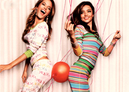 Balloons-friends-miranda-kerr-models-pijamas-victorias-secret_large