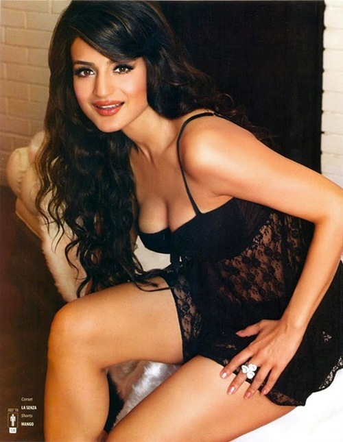 Picture of Amisha Patel | We Heart It