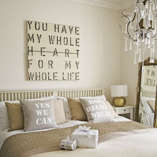 Stylish-bedroom-with-beautiful-decoration_large