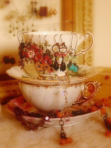 Cup_earring_earrings_jewelry_teacup_construction-db77086cd560816860eb7c093d312ee8_h_large