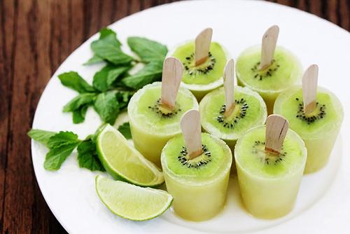 Kiwi-mojito-popsicles-4_large