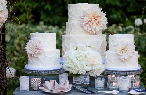 Romantic-wedding-cakes-by-sweet-and-saucy__full-carousel_large