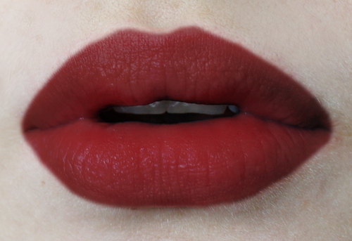 Bloodred,Lips,Li