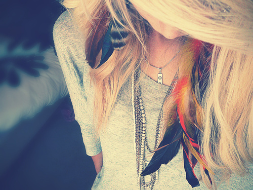 fashion, feather, girl, hair, photography - inspiring picture on Favim.com