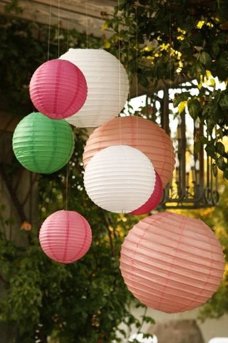 Lanterns_leaves_objects_paper_photography_pink-cef938768f73d35650379b51567a6526_h_large
