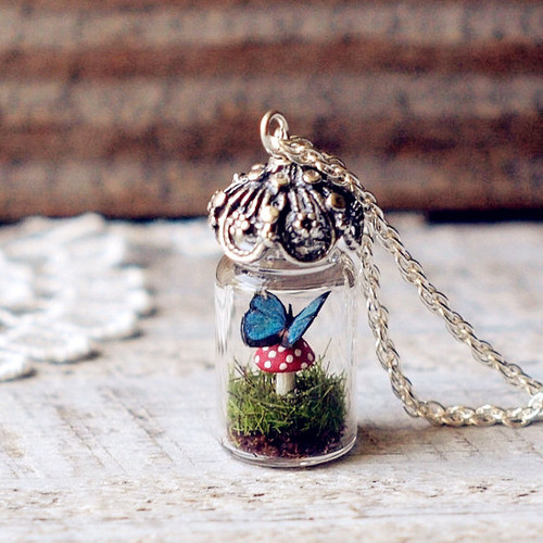 Tiny_20terrarium_20necklace_20-f86115_large