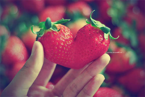 Strawberry-heart_large