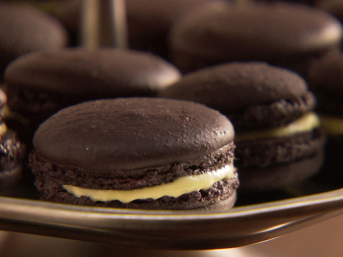 Cccdo209_black-macarons_s4x3_lg_large