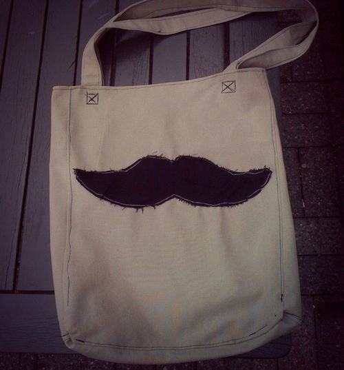DIY moustache tote bag