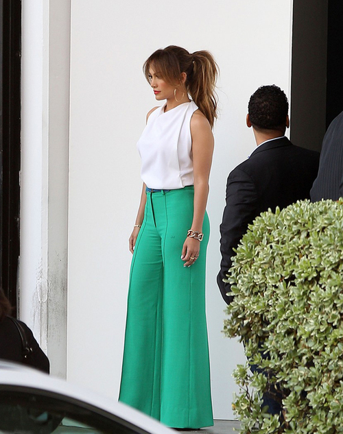 Jennifer-lopez-green-pants_large