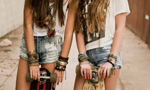 Girls-hair-nice-shorts-skateboard-favim.com-449201_large